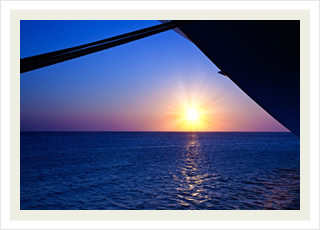 Alii Kai Sunset Dinner Cruise tours and the best Hawaii tour tickets discounts.