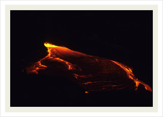 Hawaii night volcano tours adventure and the best night lava flow Hawaii tour discounts.
